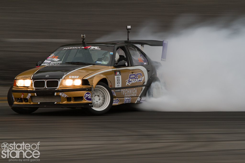 IMAGE: http://stateofstance.com/wp-content/gallery/formula-d-jersey-day-1/fdnj-91.jpg